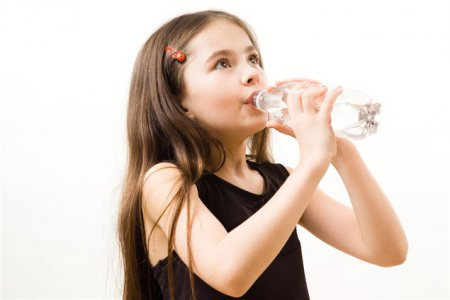 1411389304_child-drinking-water.jpg